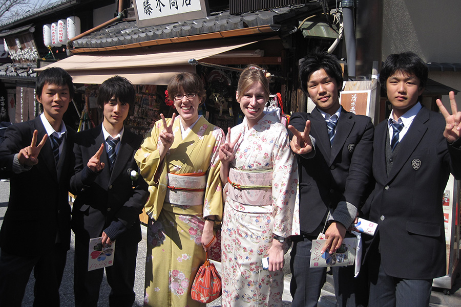 Japan Term students wear kimonos on their visit to Kyoto.