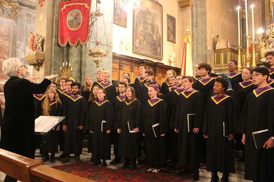 Knox College choir performs in church in southern France.