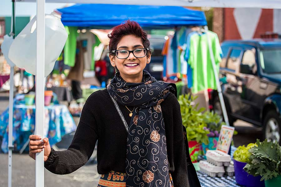 Nashra Mahmood '17 did an honors project on women in trade unions.