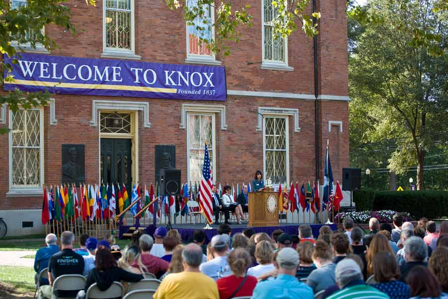 New students welcomed to Knox College community