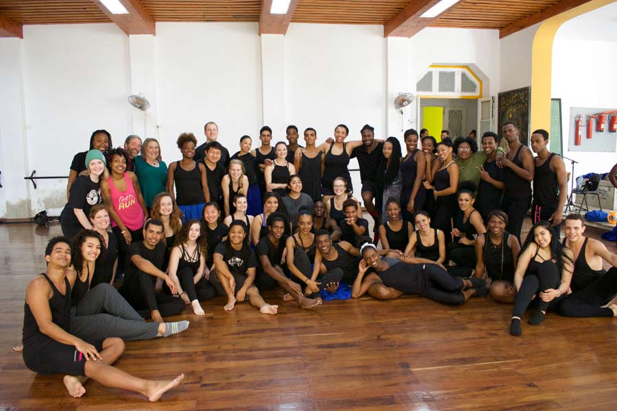 Knox College students study dance in Cuba.
