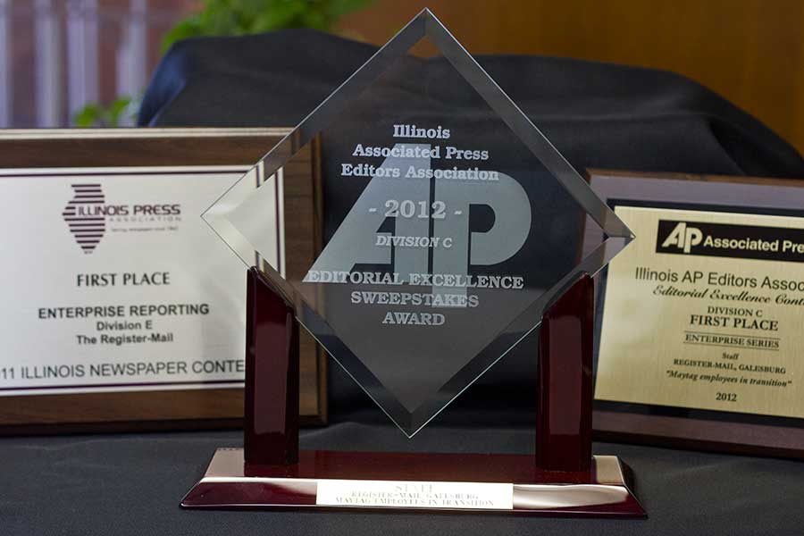 Knox Journalism Students' Work Wins Top Statewide Awards