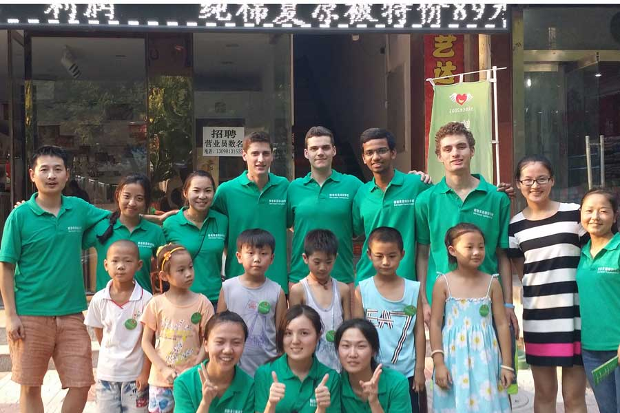 Knox Students Travel to China, Teach English