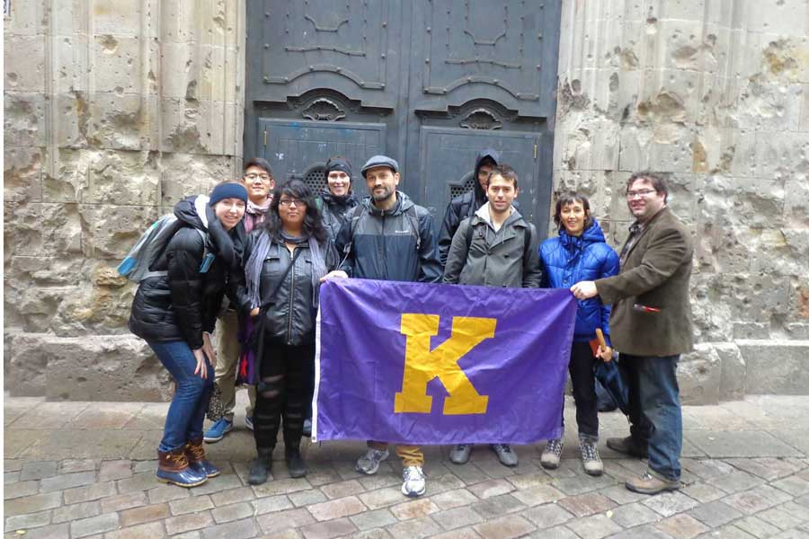 Knox students travel to Spain and France to learn more about the Spanish Civil War.