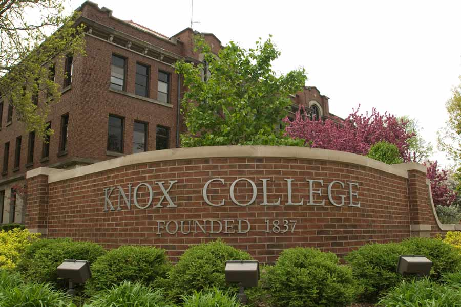 Avon Foundation Grant Will Support Expansion of Knox's Dare to Care Program