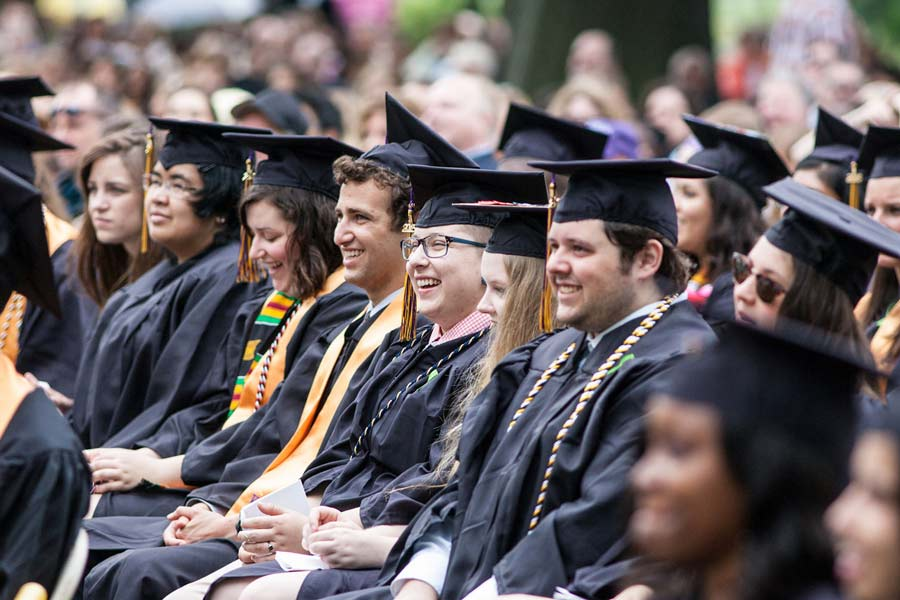6 Things to Know about Knox's 2016 Commencement