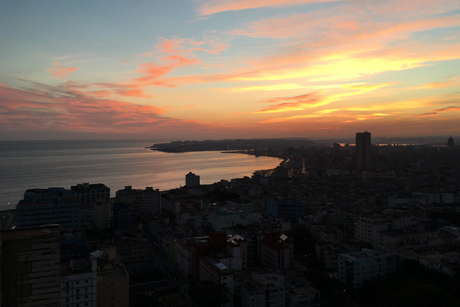 Knox Alumni, Friends, Faculty Travel to Cuba