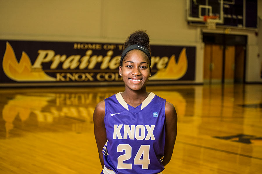 Naja Woods '18 on the Prairie Fire basketball court