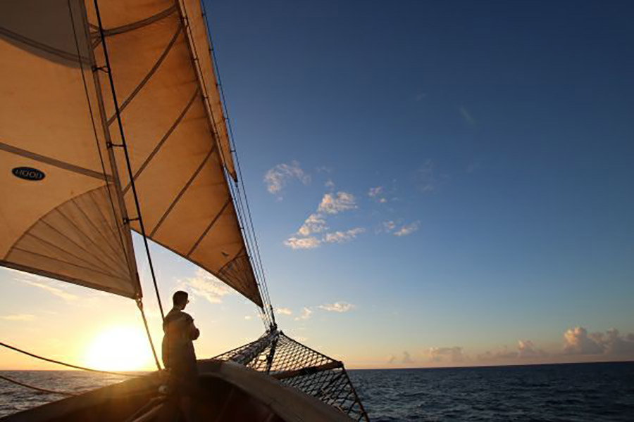 Knox students sail the Caribbean during their SEA semester.