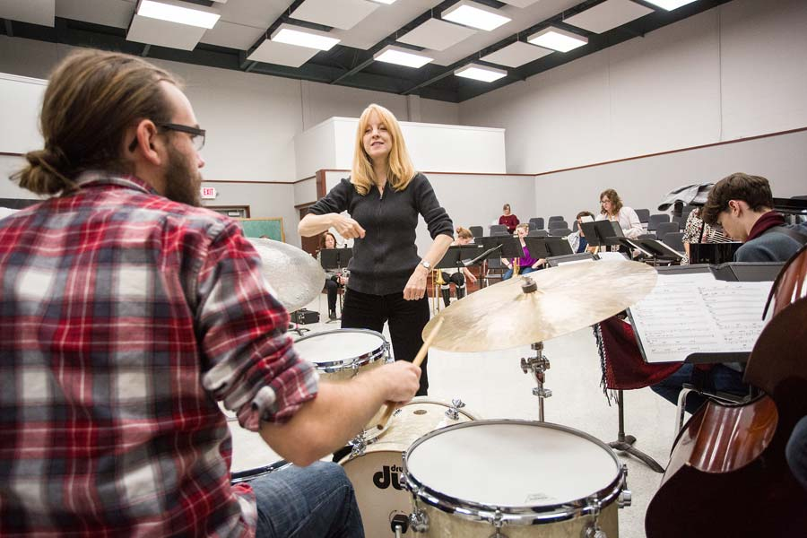 Composer Maria Schneider rehearses with the Knox Jazz Ensemble during her Jerome Mirza Jazz Residency