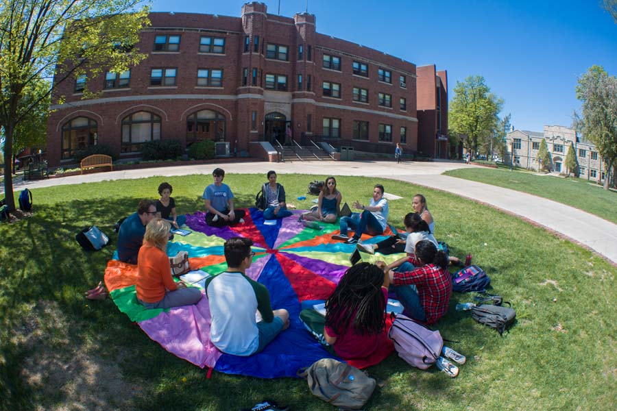 Knox College class meeting outside Seymour Union