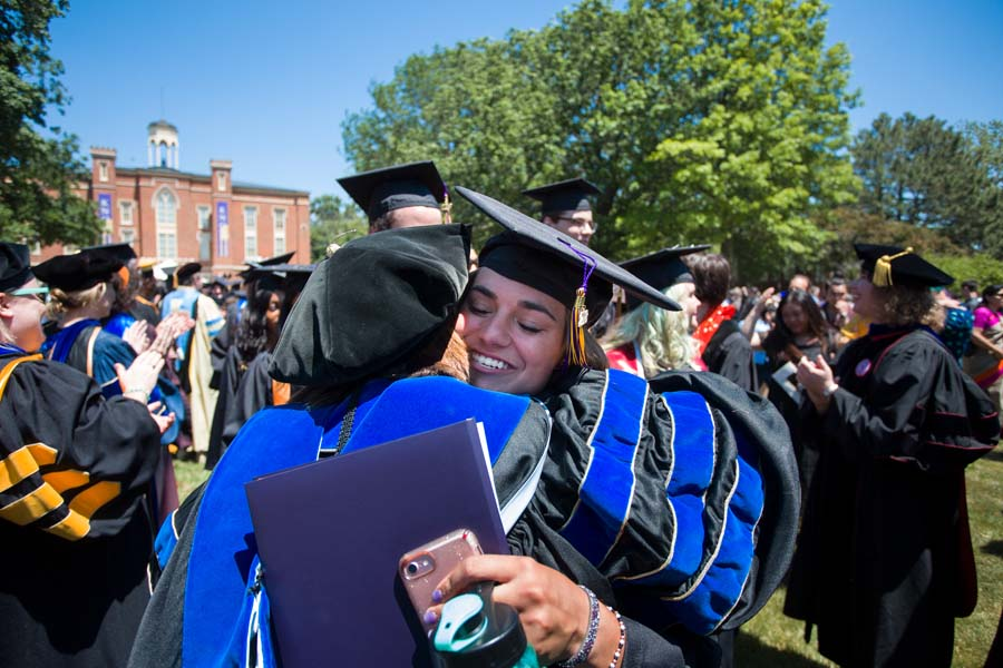 Graduates and faculty celebrate at Knox College Commencement 2018