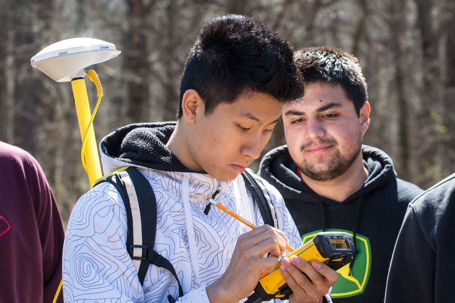 Students use GPS mapping tools at Green Oaks