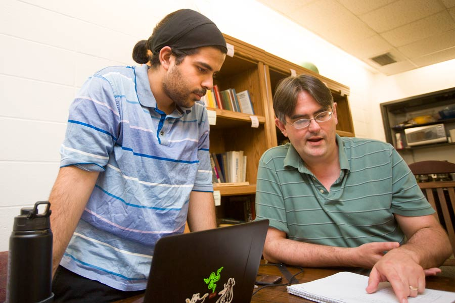 8 Knox Faculty Members, Including Computer Science Professor David Bunde, Received Exceptional Achievement Awards